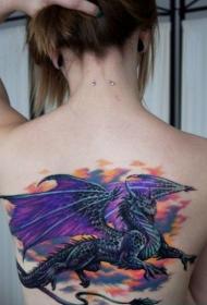 美女背部霸气的欧美龙纹身图片