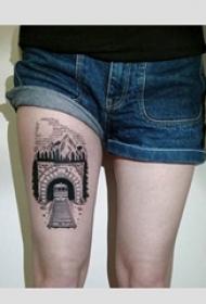 一组纹身黑白灰风格点刺技巧的火车纹身图案