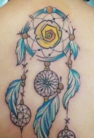 背部的彩绘捕梦网纹身图案
