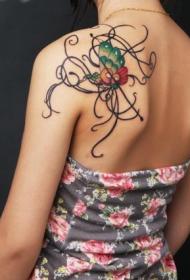 肩背上漂亮的蝴蝶藤蔓纹身图案