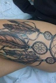 美女大腿上的捕梦网纹身图案