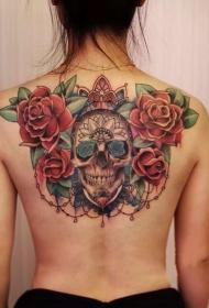 女生后背玫瑰与骷髅彩绘纹身图案