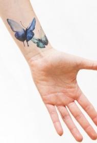 手腕个性蝴蝶彩绘纹身图案