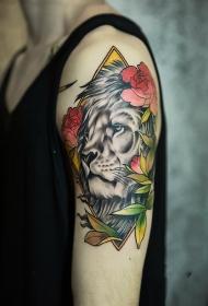 手臂狮子鲜花彩绘纹身图案