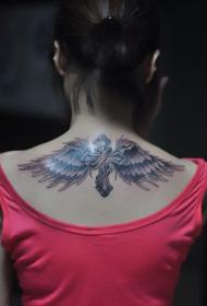 女生背部漂亮时尚的十字架翅膀纹身图案