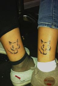 情侣脚踝上可爱的小猫咪纹身图案