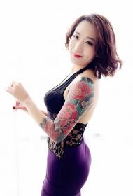 美女手臂牡丹花彩绘纹身图案