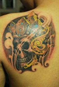 背部嘎巴拉皇冠彩色纹身图案