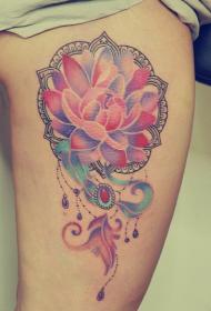 彩绘漂亮的荷花纹身图案