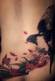 后腰喜鹊与鲜花彩绘纹身图案