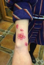 时尚好看的手臂鲜艳花朵纹身刺青