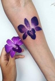 11款女生与花创意个性文艺小清新纹身图案