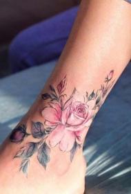 小腿处彩色个性的花朵纹身图案