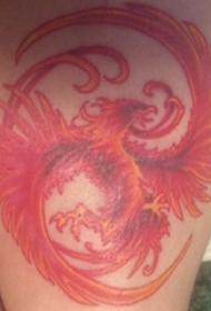 男生大腿上彩绘凤凰纹身图片