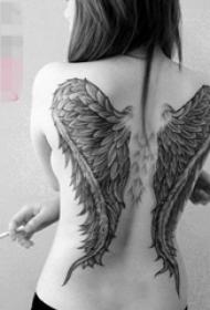 多款黑色素描创意天使翅膀纹身图案