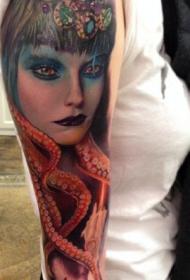 手臂妖艳性感的美女纹身图案