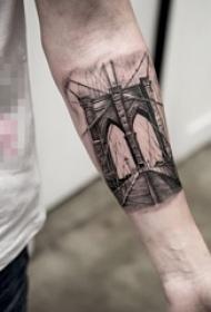 高大的黑色点刺几何线条建筑纹身图案