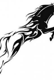 男性喜爱的寓意着马到成功的黑色小动物马纹身手稿素材