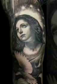 手臂慈爱世人的圣母肖像纹身图案