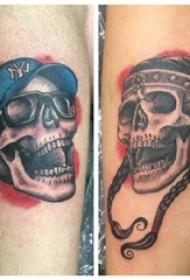 男生腿上彩绘创意骷髅头纹身片