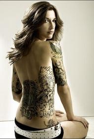 性感美女腰部手臂个性黑白纹身图案