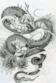 黑灰素描创意霸气龙图腾精美纹身手稿