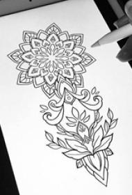 女生黑色线条创意梵花花纹纹身手稿
