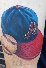 男生手臂上彩绘水彩创意棒球元素帽子纹身图片