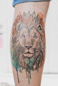 男生小腿上彩绘点刺简单线条小动物狮子纹身图片
