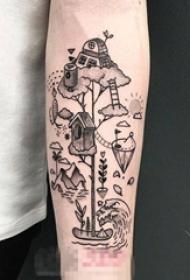 男生手臂上黑色几何元素简单线条卡通纹身图片