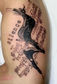 男生手臂上黑户素描创意文艺音符纹身图片