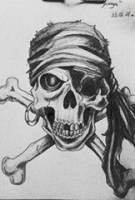 黑灰素描创意海盗风格设计骷髅纹身手稿