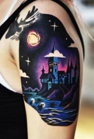 女生手臂上彩绘水彩创意唯美夜景纹身图片