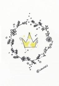 黑色线条创意花环中的黄色水彩皇冠纹身手稿