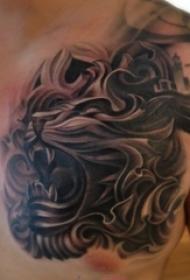 男生胸口上黑灰素描点刺技巧霸气狮子头纹身图片