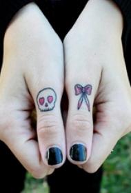 多款女生手指的创意文艺小清新唯美精致小图案纹身图案