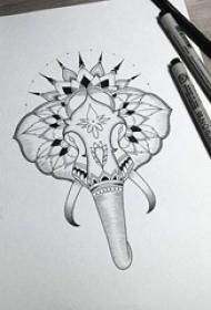 神秘的黑色简单线条植物素材大象纹身手稿