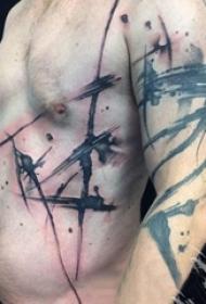 男生手臂上黑色水墨抽象线条纹身图片