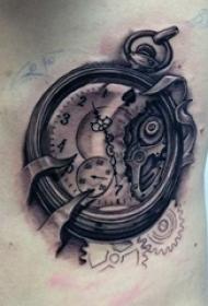 男生侧腰上黑色素描点刺技巧创意齿轮钟表纹身图片