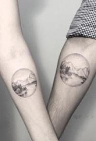 情侣手臂上黑色素描点刺技巧创意江边风景纹身图片