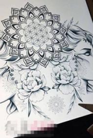 黑色线条创意梵花花纹女生唯美人像纹身手稿