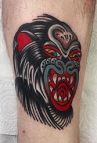 男生小腿上彩绘水彩素描抽象纹身图片