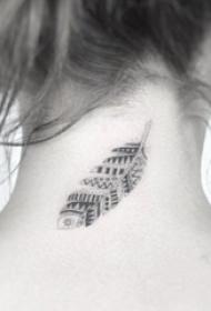 女生颈后黑灰点刺几何线条羽毛纹身图片