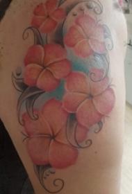 女生大腿上彩绘渐变简单线条小清新植物花朵纹身图片