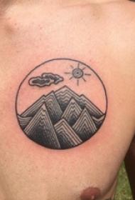 男生胸口黑灰素描几何元素风景纹身图片