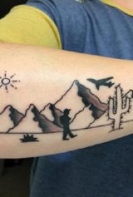 男生手臂上黑灰点刺抽象线条人物和山脉风景纹身图片