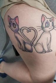 男生臀部彩绘渐变简单线条卡通小动物猫咪纹身图片