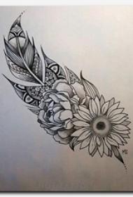 黑灰素描描绘的创意唯美花朵羽毛纹身手稿