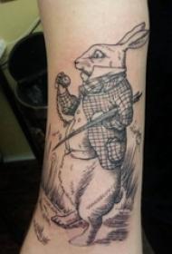 男生手臂上黑灰素描创意文艺童话兔先生纹身图片