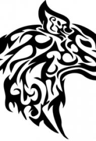 黑色线条创意精美花纹霸气鹿头纹身手稿